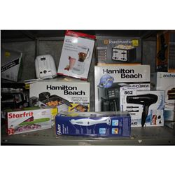 SHELF LOT OF ASSORTED HOUSEHOLD GOODS INCLUDING DEEP FRYER, COFFEE MAKER, BLENDER AND MORE