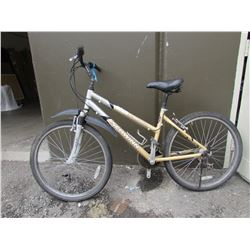 GREY/GOLD SCHWINN SANTA MONICA COMFORT MOUNTAIN BIKE