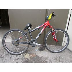RED/BLACK GIANT RINCON MOUNTAIN BIKE