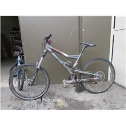 GREY MONGOOSE MOUNTAIN BIKE