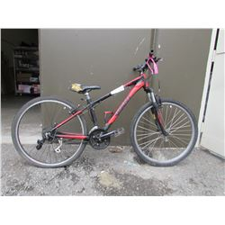 BLACK/RED GIANT MOUNTAIN BIKE