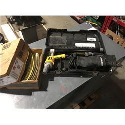 DEWALT QUICK DRIVE PRO SCREW GUN SET & 1 BOX OF QUICK DRIVE SCREWS