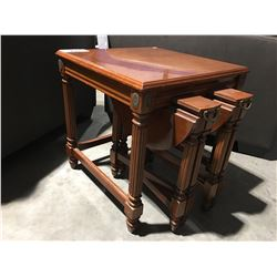 3 PCE MAHOGANY LIVING ROOM NESTING TABLE SET