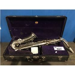 THE BUESCHER ELKHEART INDIANA ALTO SAXOPHONE SILVER PLATED S/N 155557 WITH CASE