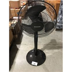 HONEYWELL ROOM FAN - BLACK
