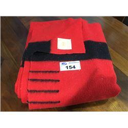 VINTAGE 4 POINT HUDSONS BAY BLANKET - RED & BLACK