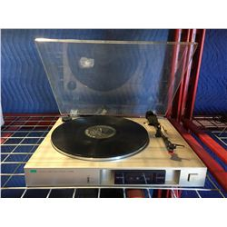 SANSUI MODELP-D10 TURNTABLE - DAMAGED DUST COVER