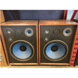 PAIR OF VINTAGE HOME AUDIO SPEAKERS - NO DUST COVERS