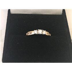 LADIES 14K WHITE & YELLOW GOLD RING CONTAINING 9 DIAMONDS - APPRAISED VALUE $3910.00 (0.51CTS