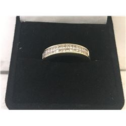 LADIES 10K YELLOW GOLD RING CONTAINING 34 DIAMONDS - APPRAISED VALUE $2635.00 (1.02CTS DIAMONDS,