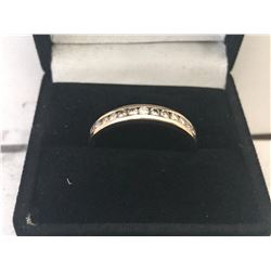 UNISEX 14K YELLOW GOLD RING CONTAINING 13 DIAMONDS - APPRAISED VALUE $2305.00 (0.39CTS DIAMONDS,