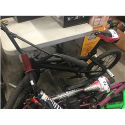 BLACK BMX BIKE WITH STUNT PEDALS