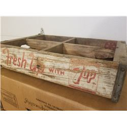 WOODEN POP CRATE (7UP) *4 - 6 PACK*