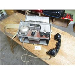 FIELD TELEPHONE (WWII) *1940* (NICE CONDITION)