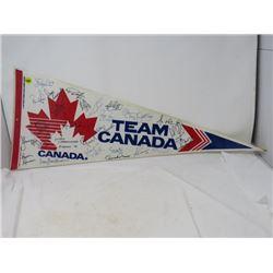 HOCKEY PENNANT (TEAM CANADA)