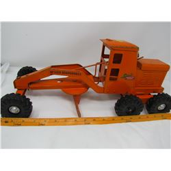 TOY GRADER (LINCOLN) *18 LONG X 7 WIDE X 5 TALL*