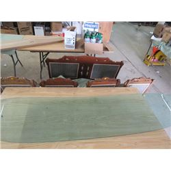 1950'S ERA WINDSHIELD (TINTED OVERALL GOOD SHAPE) *FRONT? *