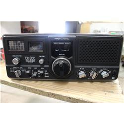 SYNTHESIZED COMMUNICATION RECEIVER (REALISTIC DX00 QUARTZ)