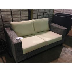 SILVER GREY PLASTIC RATTAN OUTDOOR PATIO 2 SEAT SOFA WITH CUSHIONS