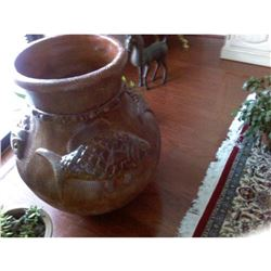 Large McCoy Motif Pot