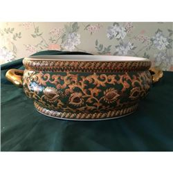 Asian Hand Painted Famille Rose Choe Tureen
