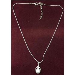 Elegant Ladies Silver Tone Pearl Necklace