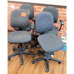 Qty 4 Rolling Office Desk Chairs w/ Arm Rests on Wheels