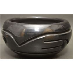 SANTA CLARA INDIAN POTTERY BOWL ( STELLA CHAVARRIA)