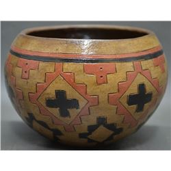 NAVAJO INDIAN POTTERY BOWL (LORRAINE WILLIAMS-YAZZIE)
