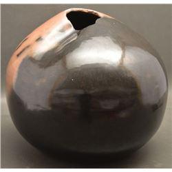 POTTERY JAR ( HOWARD)