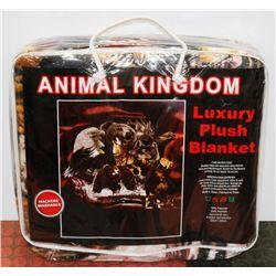 "NEW! ""ANIMAL KINGDOM"" LUXURY PLUSH BLANKET (QUEEN)"