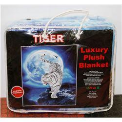 "NEW! ""TIGER"" LUXURY PLUSH BLANKET (QUEEN)"