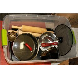 TOTE OF KITCHEN ITEMS - ROLLING PINS, ROASTER & A
