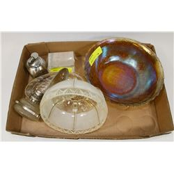 FLAT OF ASSORTED GLASSWARE INCL CARNIVAL GLASS