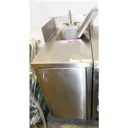 STAINLESS STEEL CABINET W/ HAND SINK