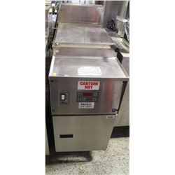 COMMERCIAL PITCO FRIALATOR- 8KW