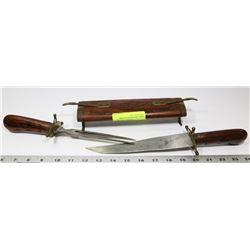 HAND CARVED KNIFE & FORK CARVING SET IN
