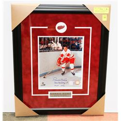 GORDIE HOWE  AUTOGRAPHED & FRAMED PICTURE W/