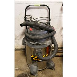 SHOP VAC INDUSTRIAL VACUUM 6.5HP WITH HOSE