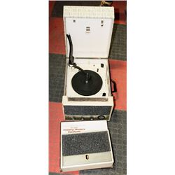 RECORD PLAYER WITH SPEAKERS AND BOX OF COUNTRY