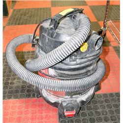 SHOP VAC HUSKY WITH HOSE