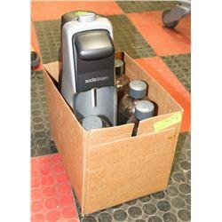 BOX W/ESTATE SODASTREAM MACHINE W/4