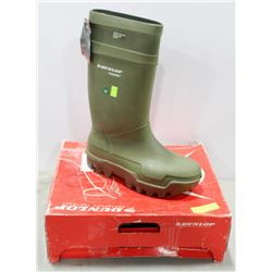 PAIR OF DUNLOP STEEL TOE RUBBER BOOT,