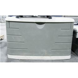 RUBBERMAID DECK STORAGE BOX, 41 X 24 X 24