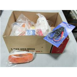 BOX OF ASSORTED LIGHTS, AND ELECTRICAL ITEMS