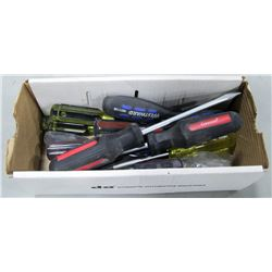 BOX OF ASSORTED RUBBER GRIP SCREWDRIVERS