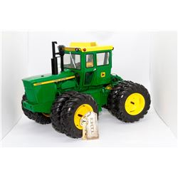 John Deere 7020 tractor 4WD Ertl Precision Key 7 1:16 Has Box