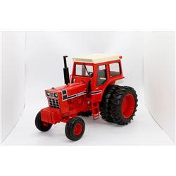 1976 IH 1066 tractor 23rd Anniversary Ertl 1:16 Has Box