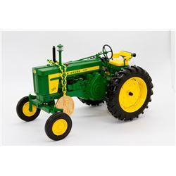John Deere 720 diesel tractor Ertl Precision Classics 10 1:16 Has Box