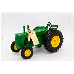 John Deere R tractor Ertl Precision Key 8 1:16 Has Box